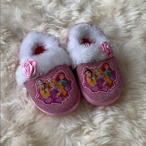 Disney Princess slippers, size 7-8 toddler girl